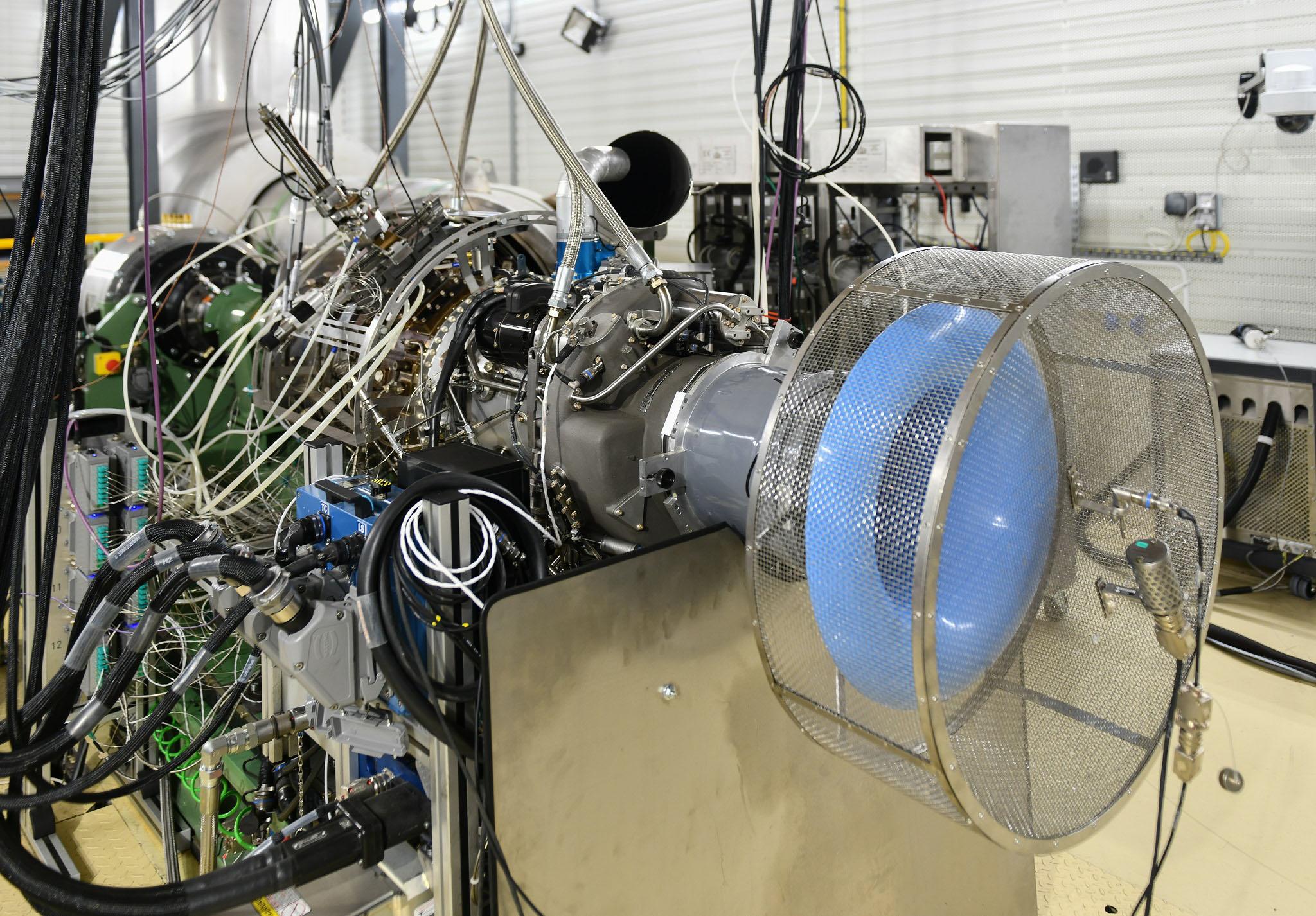 Safran runs helicopter engine on 100% SAF